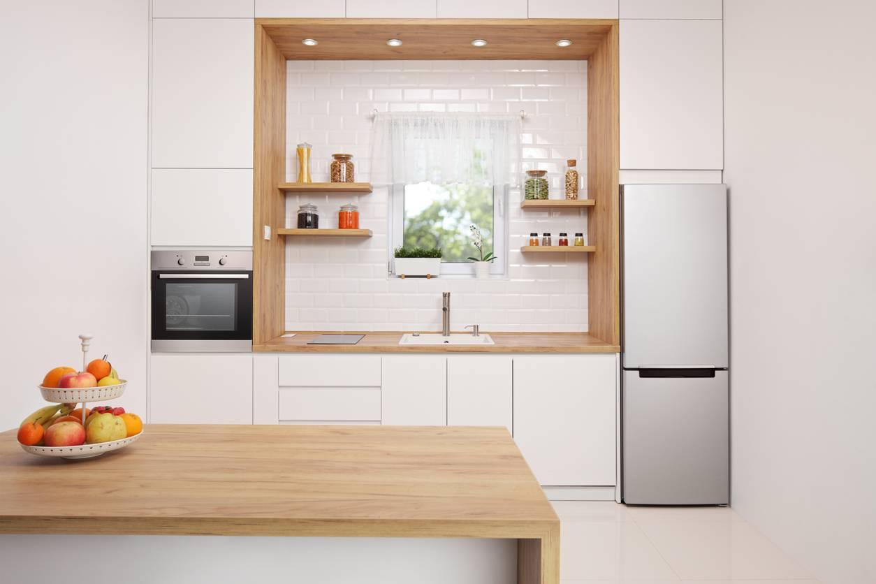 Le bloc cuisine pour les petits espaces fonctionnels et pratiques